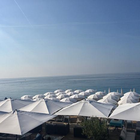Plage privatisée à Nice, en face de La Promenade des Anglais